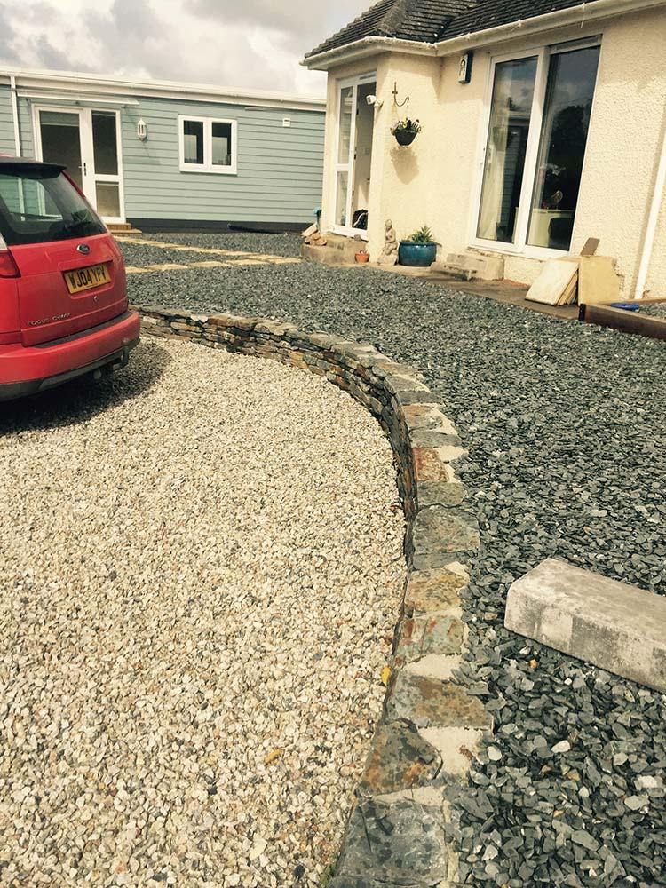 front house decorative gravel