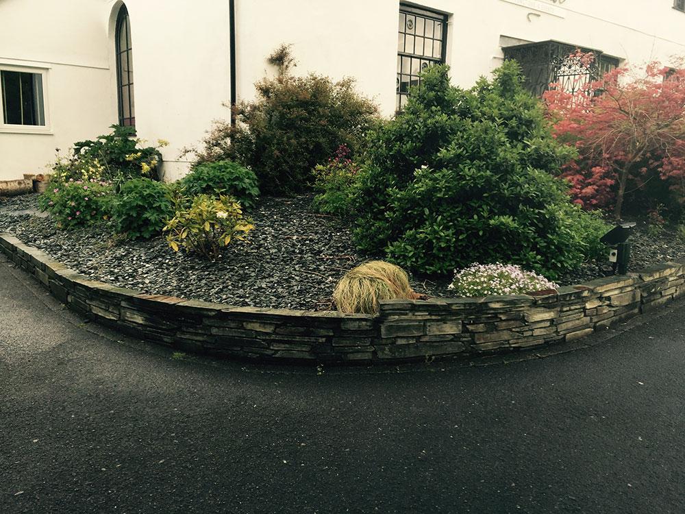 devorative gravel for flower bed
