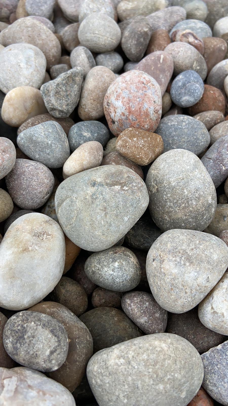 20-30mm Caledonian Pebbles